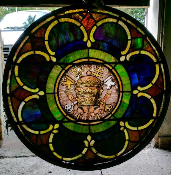 Antique-Stained-Glass-Windows-16