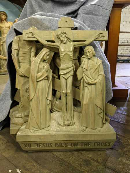 XII Jesus-Dies-on-the-Cross