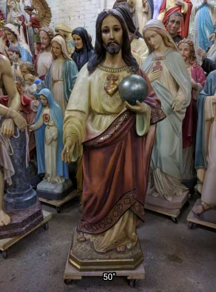 An-Incredible-Statue-Christ-the-King-Sacred-Heart